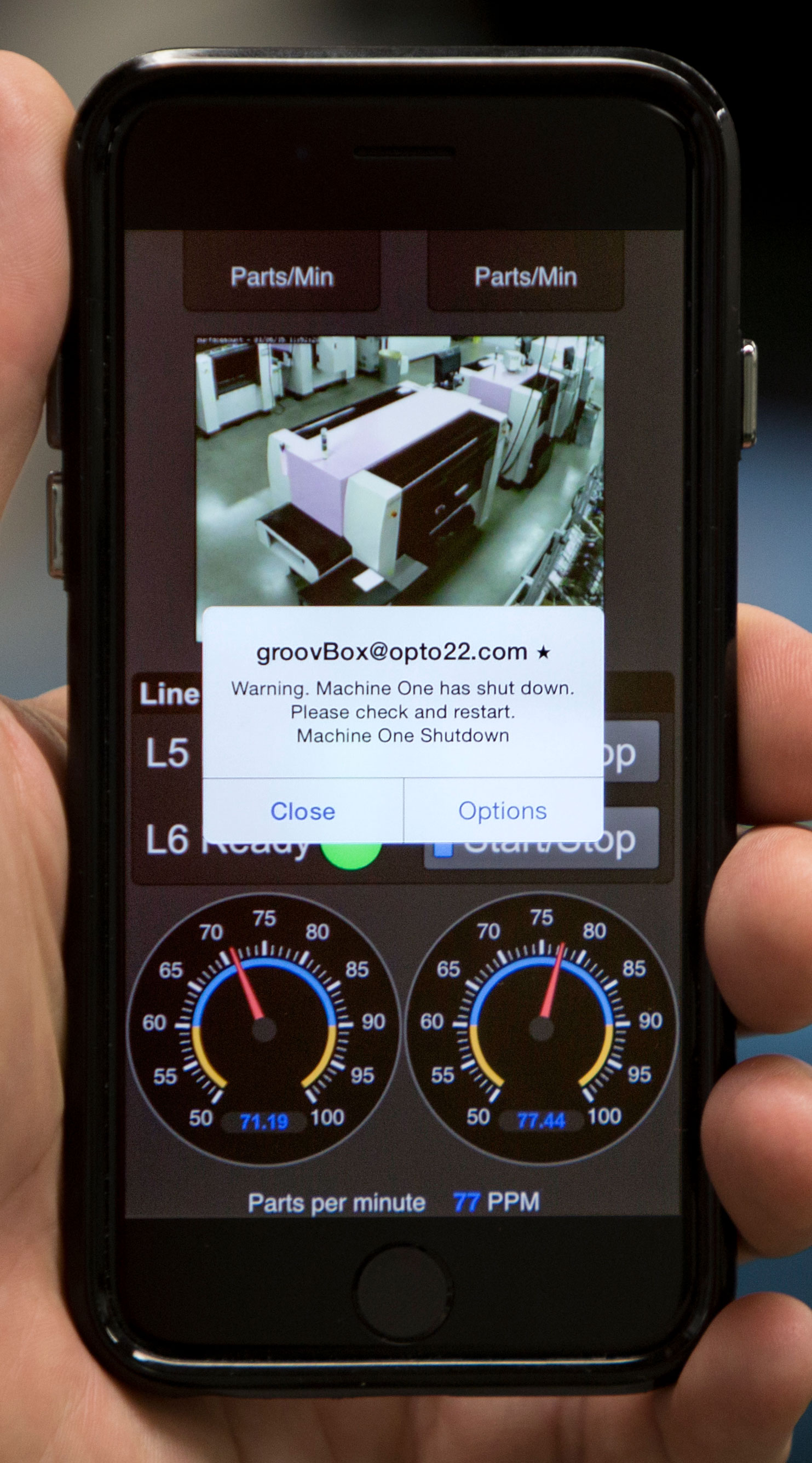 A groov mobile operator interface sending alerts